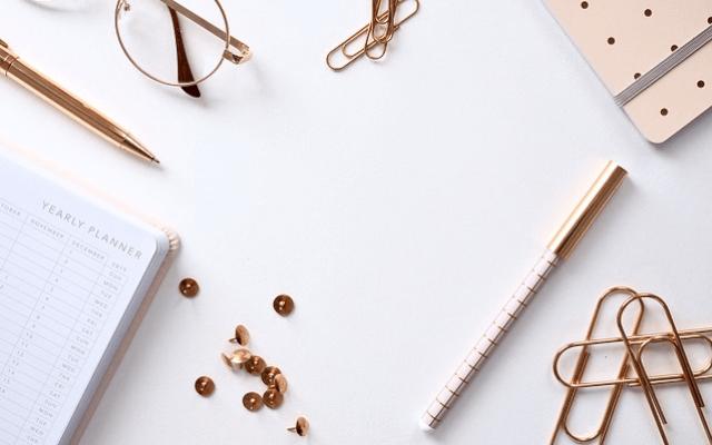 ビジネス 女性 手帳